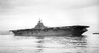 Franklin_anchored_at_the_Puget_Sound_Navy_Yard_January_1945